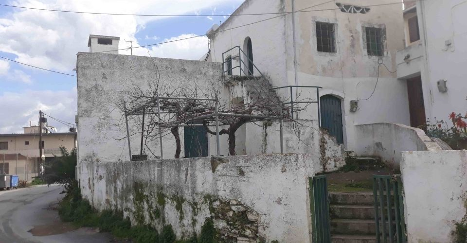 HOUSE FOR SALE IN PETROKEFALI