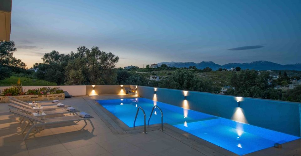 VILLA 130 m² FOR SALE IN PITSIDIA