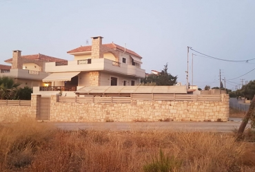 VILLA 250 m² FOR SALE IN GOUVES