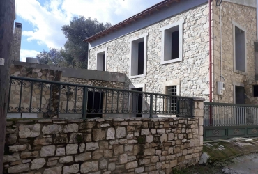 UNFINISHED HOUSE 150 m² FOR SALE IN ROUFAS