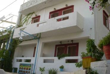 HOTEL MET 13 KAMERS TE KOOP IN AGIA GALINI
