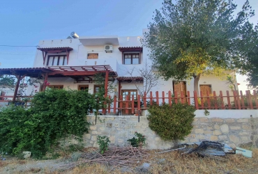 BUILDING WITH TEN APARTMENTS FOR SALE IN PITSIDIA