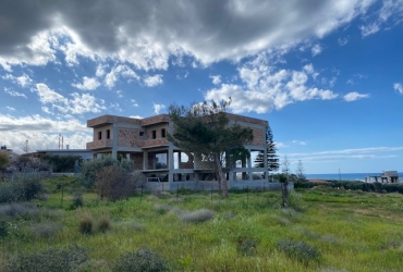 BUILDING WITH SIX APARTMENTS FOR SALE IN GOUVES